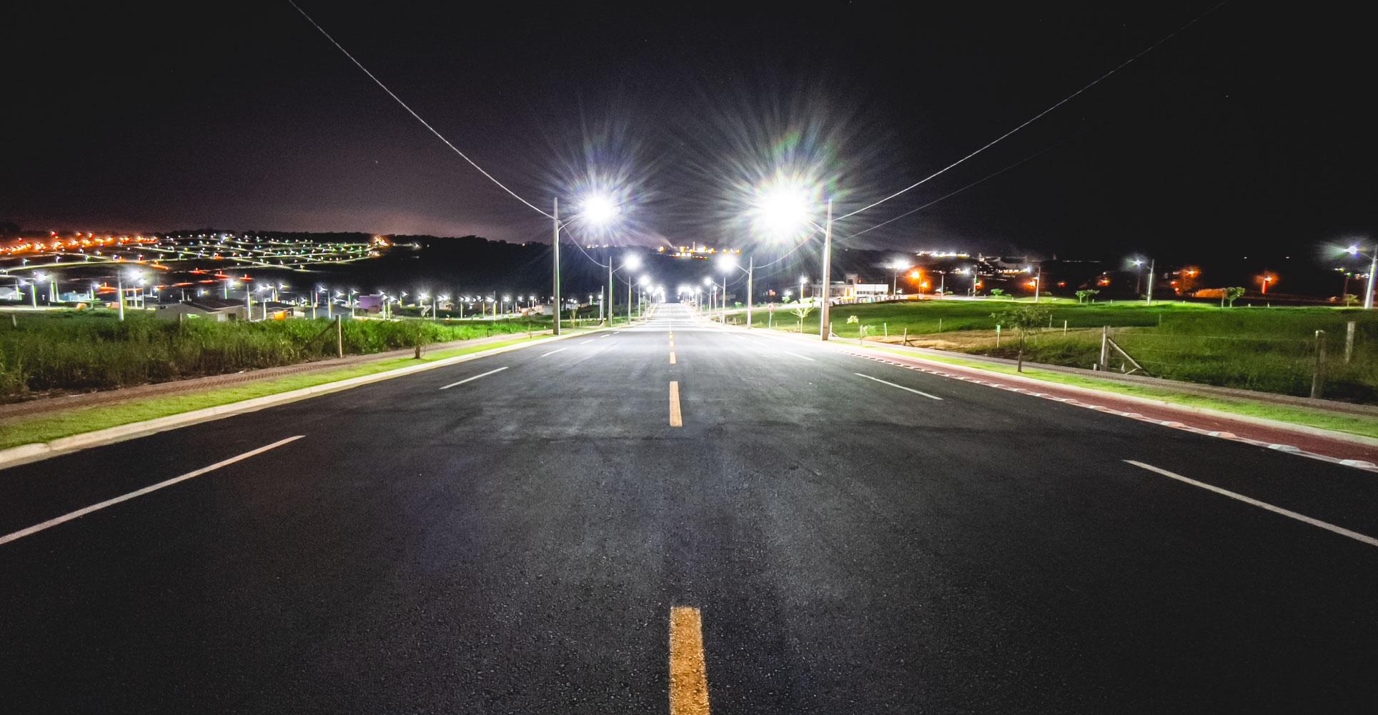 Alamedas asfaltadas e iluminadas