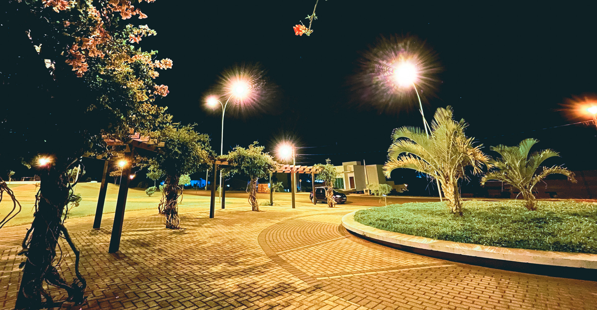 Praça anoitecer